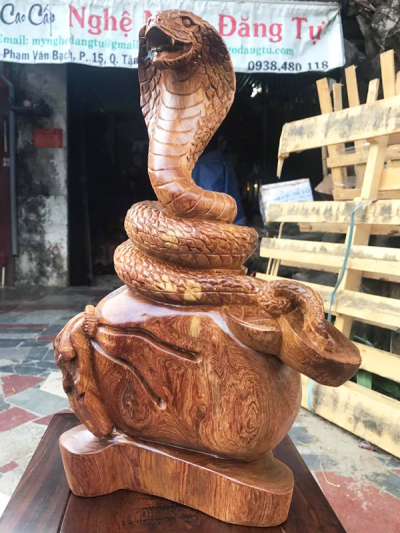 Rắn hổ mang - Tượng gỗ Đăng Tự